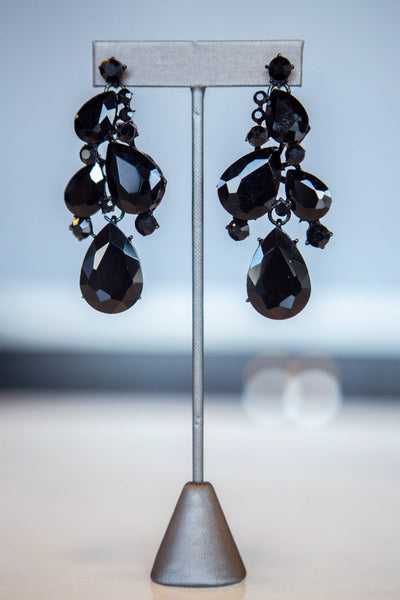 Ella- Teardrop Clustered Dot Earring