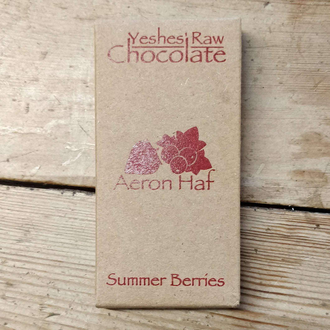 Summer berries raw chocolate