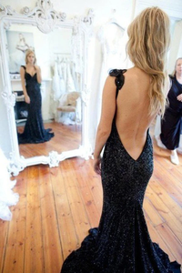 Anneprom V-Neck Lace Prom Dresses Backless Party Dresses Evening Gowns APP0075