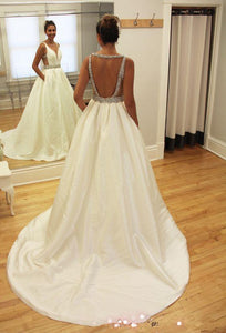 Anneprom A-Line Beads Sleeveless V-Neck Sweep-Train Wedding Dress APW0055