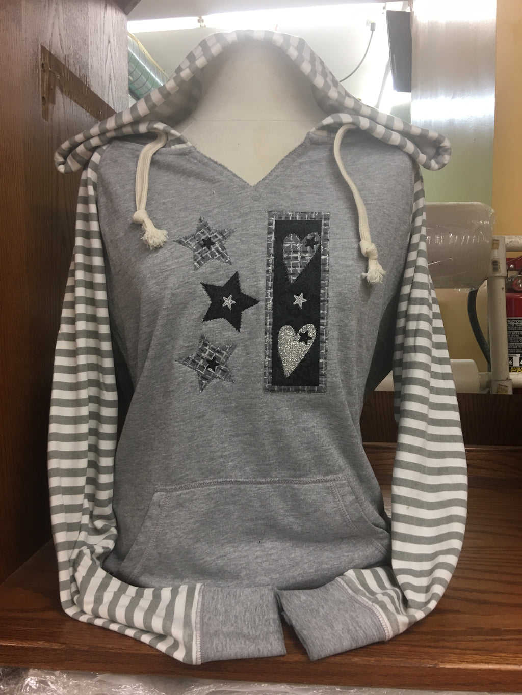 Full Striped Sleeved V Hoodie Hearts & Stars Sm-4X