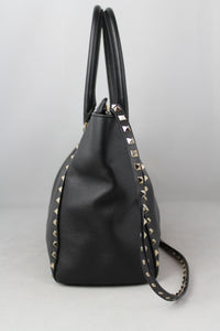 Valentino Shopper Rockstud media in pelle nera con tracolla