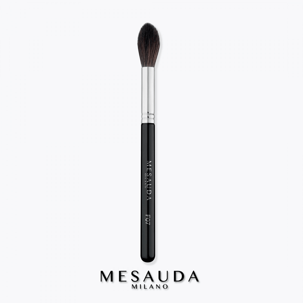 Mesauda - Tapered highlighter brush