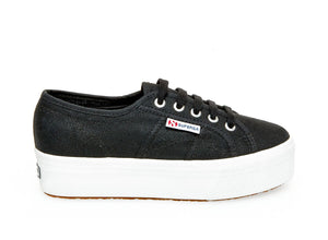 Superga - The Classic Platform Lace Sneaker in Black
