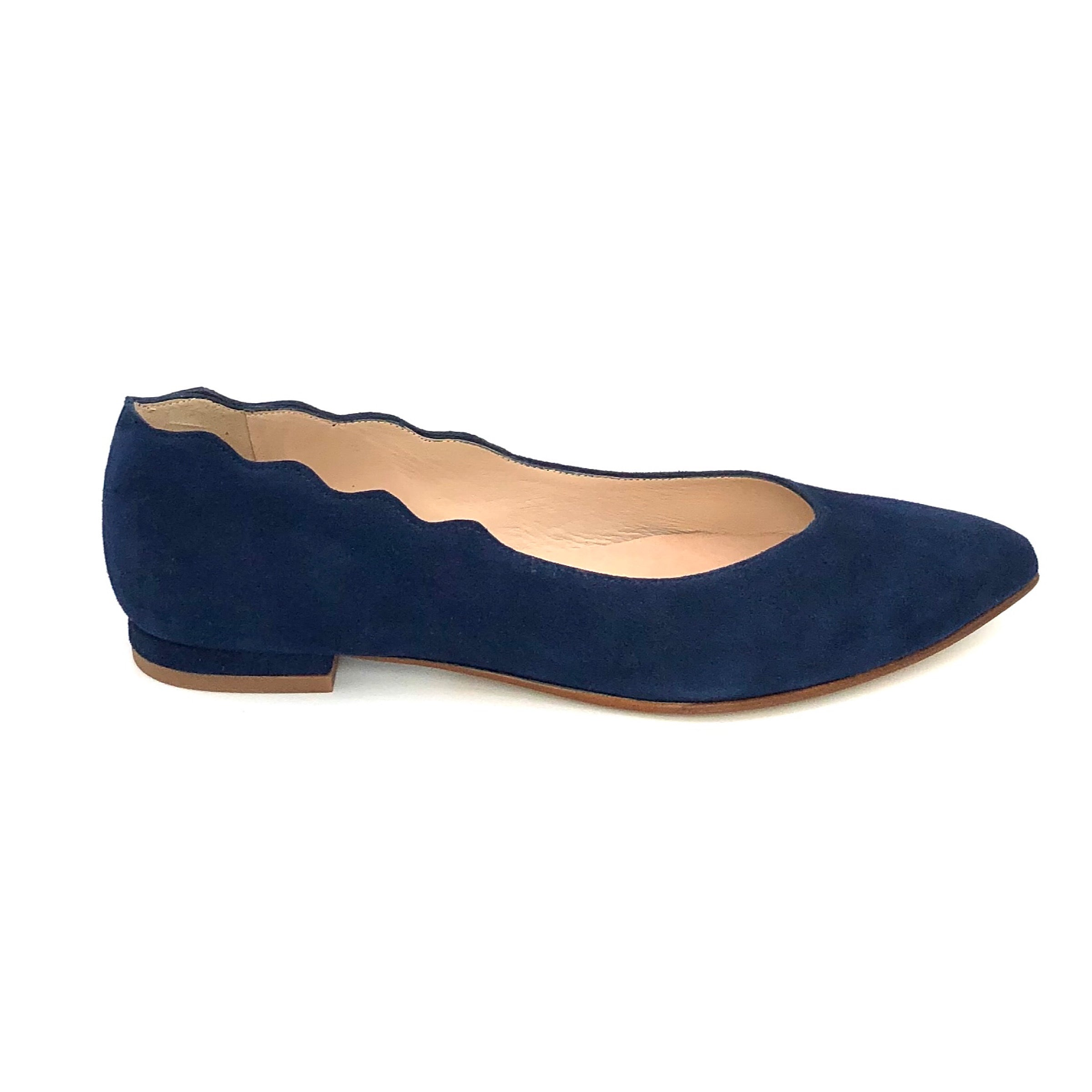 The Almond Flat with Scallop Edge in Navy