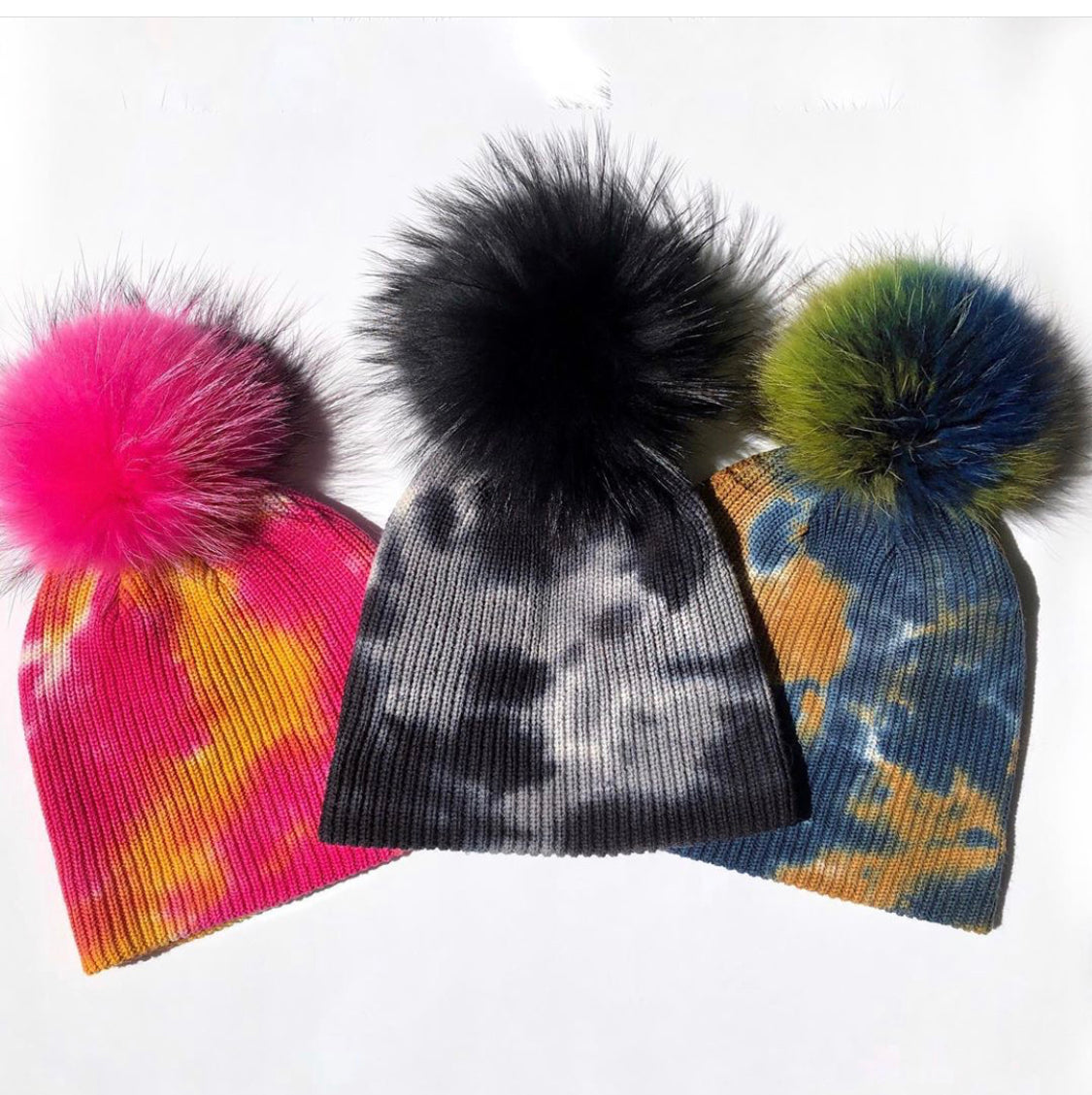 The Tie Dye Fur Pom Hat in Black