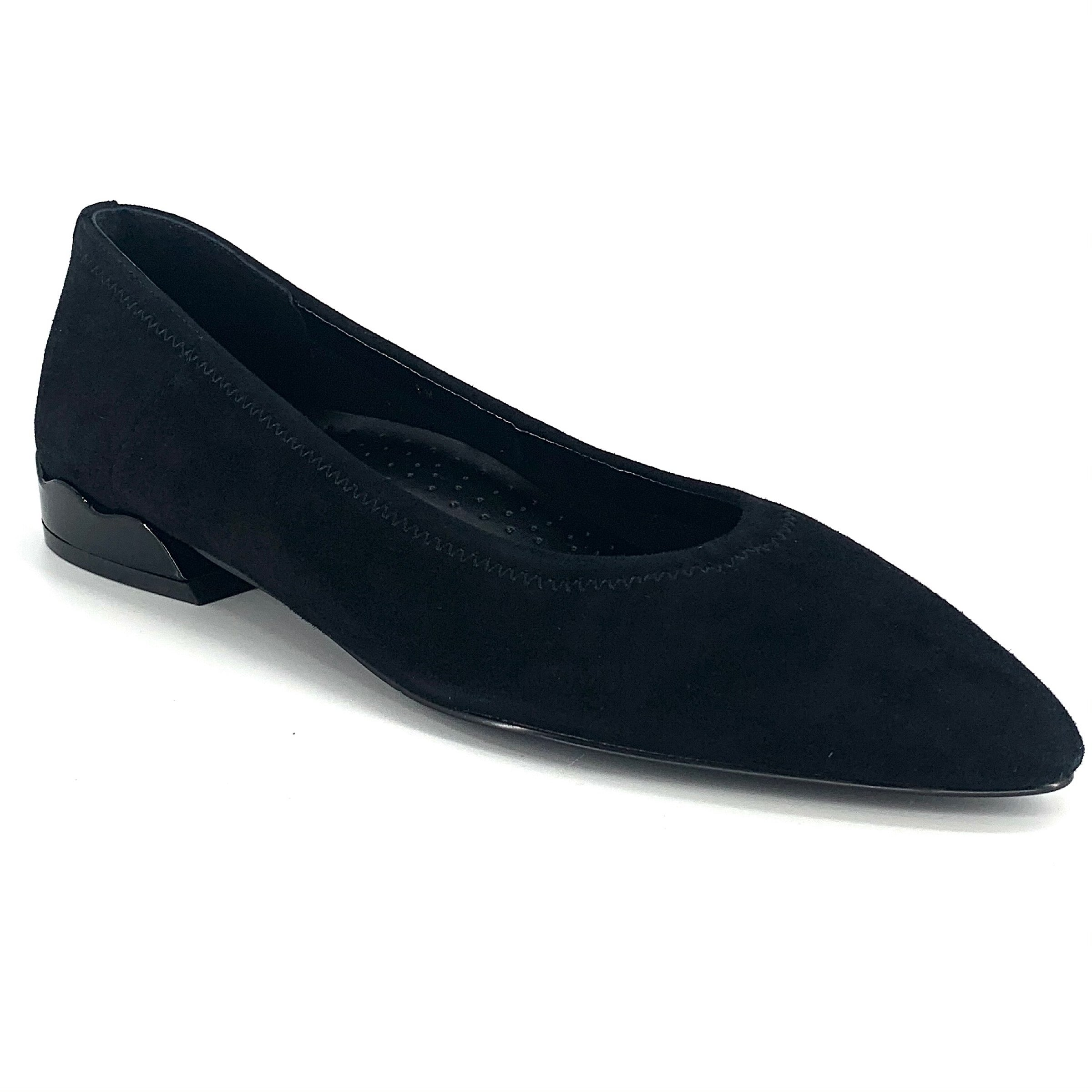 The Scallop Heel Flat in Black