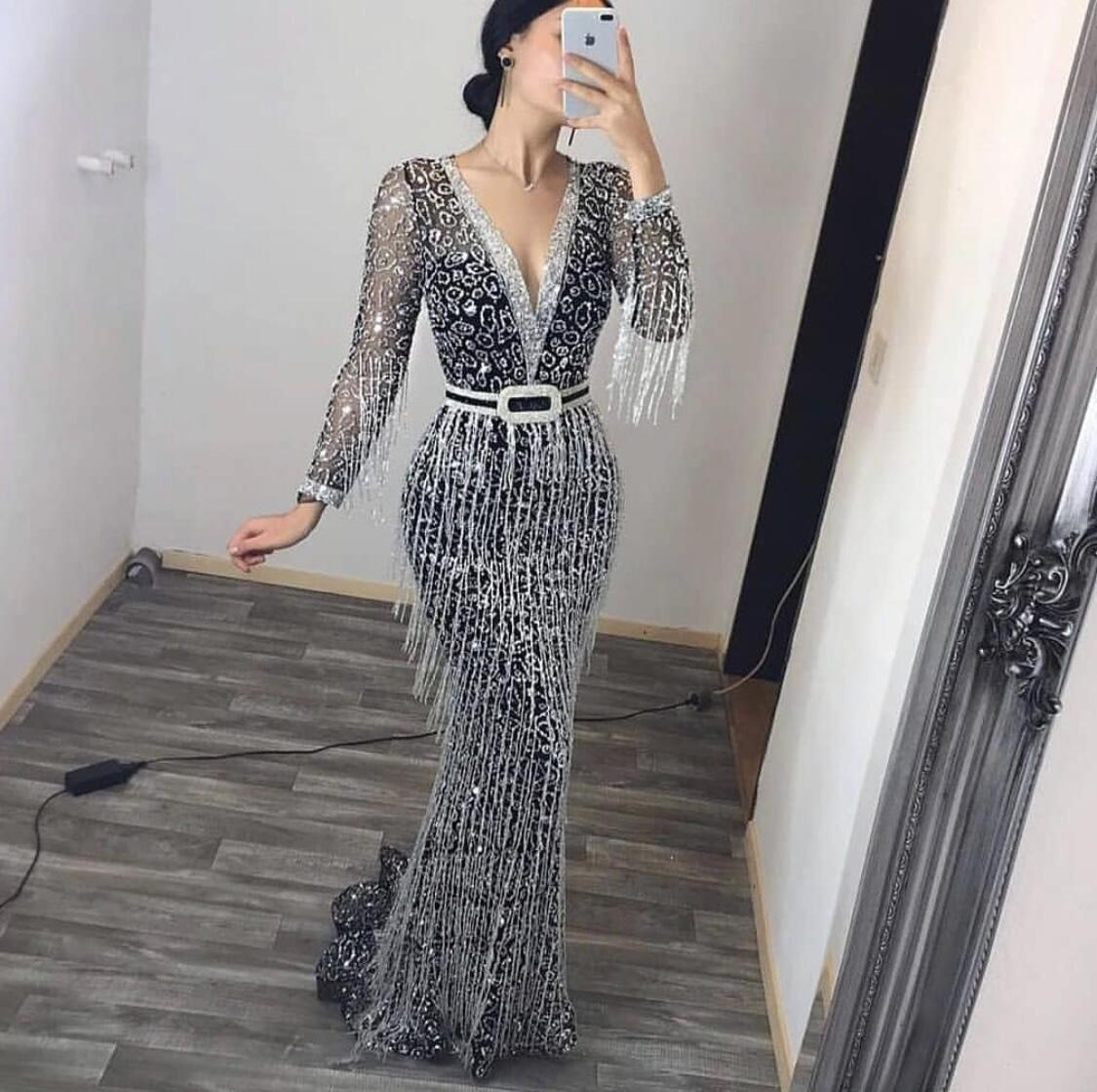 Dress with sexy long - sleeved sequined fringe with v-neck