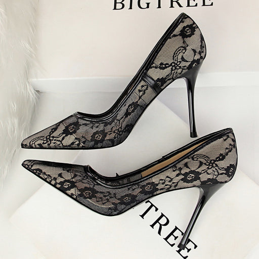Stiletto lace shoe