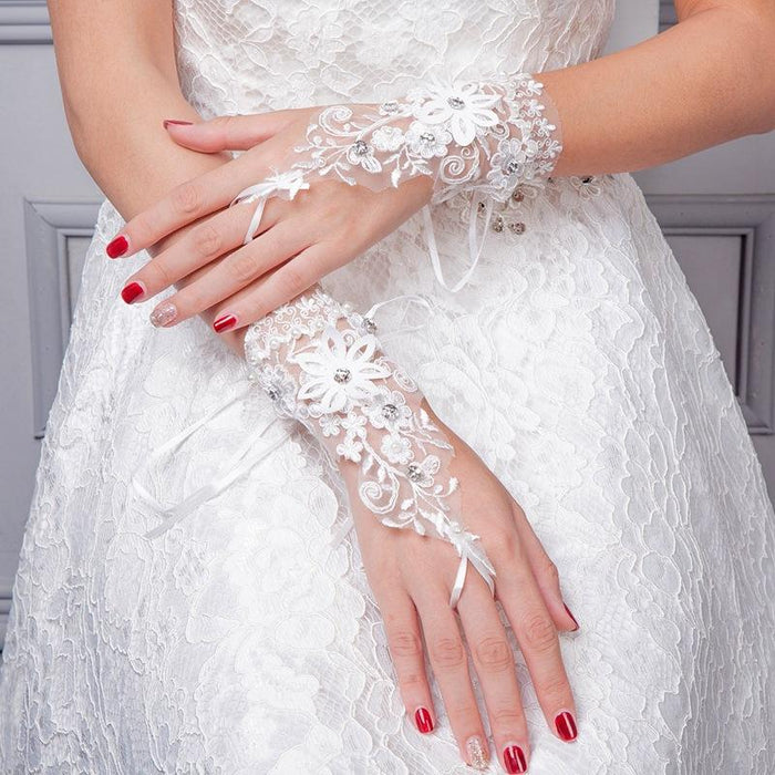 Short wedding dress, fingerless hook finger gloves, fingerless straps, thin lace