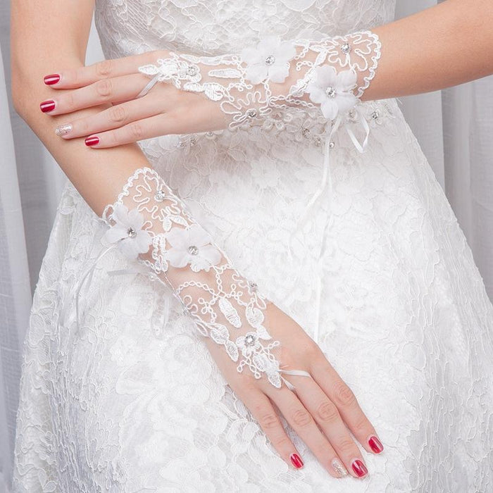 Bride's wedding fingerless short fingerless hooked finger embroidered gloves