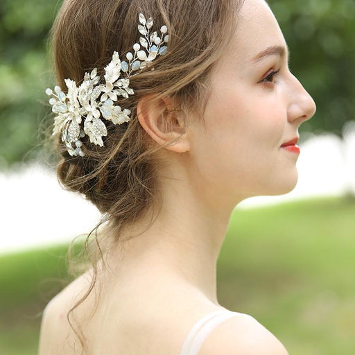 Wedding hair accessory. silver hair comb. Bride hair accessory. Hair vine for veil. Flower hair vine