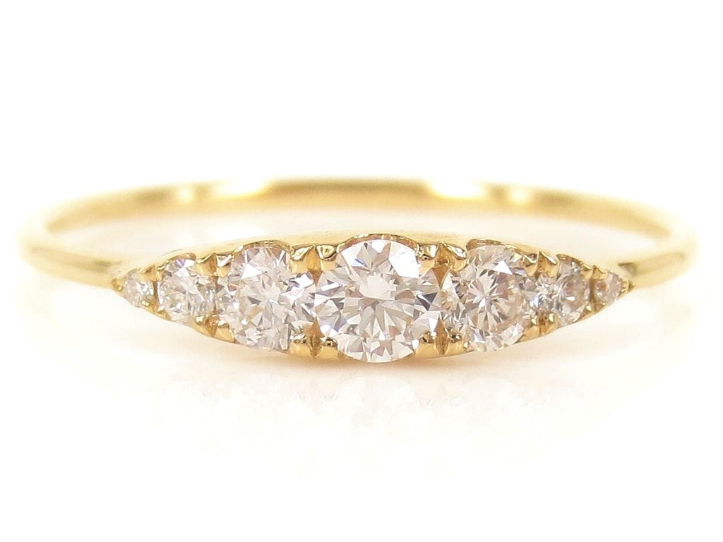 Seven-Stones Graduated Round Diamond Ring - 18K Yellow Gold