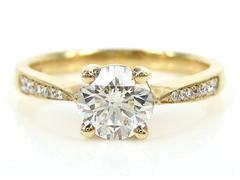 Solitaire Diamond Engagement Ring with accent Diamond Pave - 078cts T.W