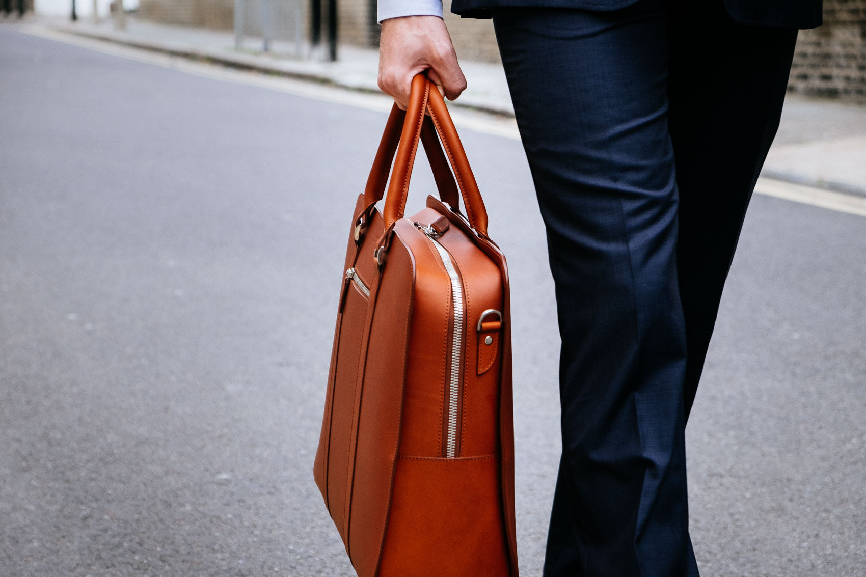 25-hour Travel bag in brown leather