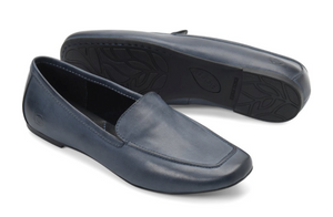 Born women's navy loafer