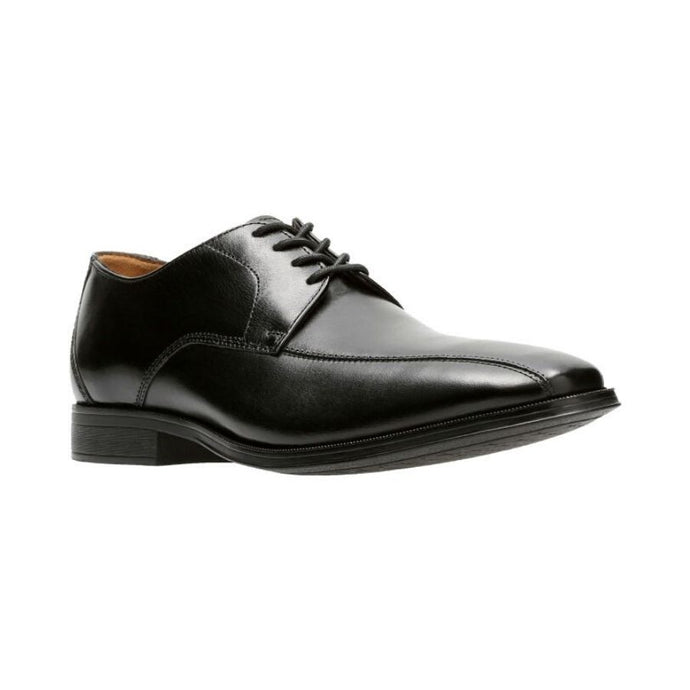 Black leather Gilman Mode dress shoe with laces and  slight heel