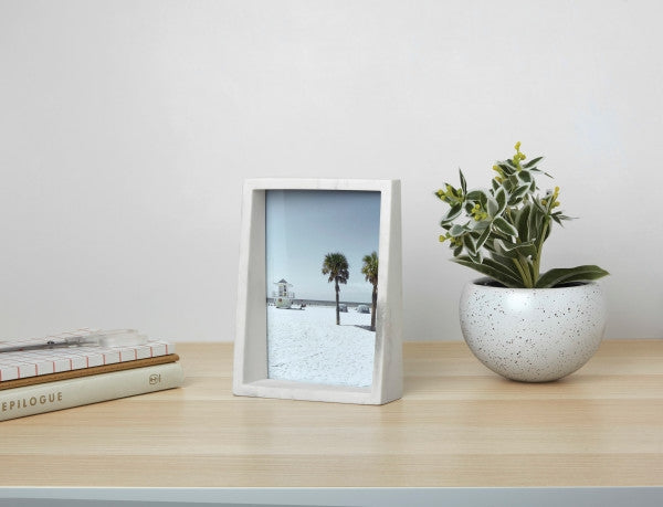 Umbra | Edge Picture Frame 5x7""