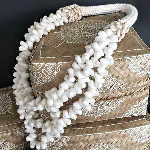 White Shell Lei