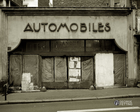 Original Art Deco garage near Moulin Rouge Paris