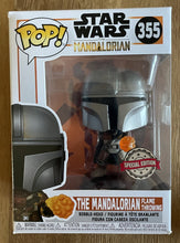 Laden Sie das Bild in den Galerie-Viewer, OUT OF BOX Sammler - The Mandalorian Flame Throwing #355