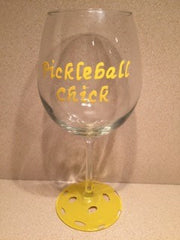 PICKLEBALL CHICK WINE GLASS