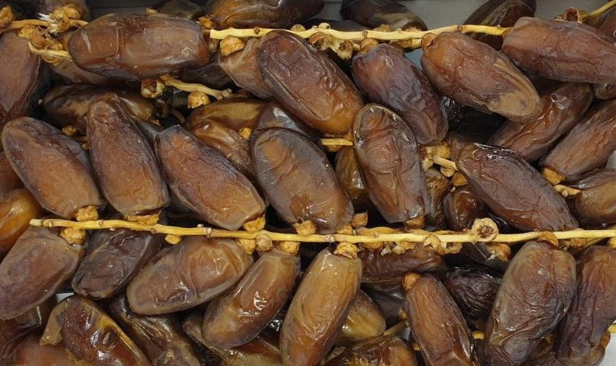 Dates Deglet Nour With Branch - 1kg
