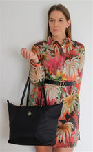 Laden Sie das Bild in den Galerie-Viewer, POPPY TOTE - AW0AW04302