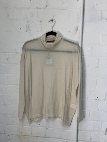 Transit Italy Turtle Neck Top 6411