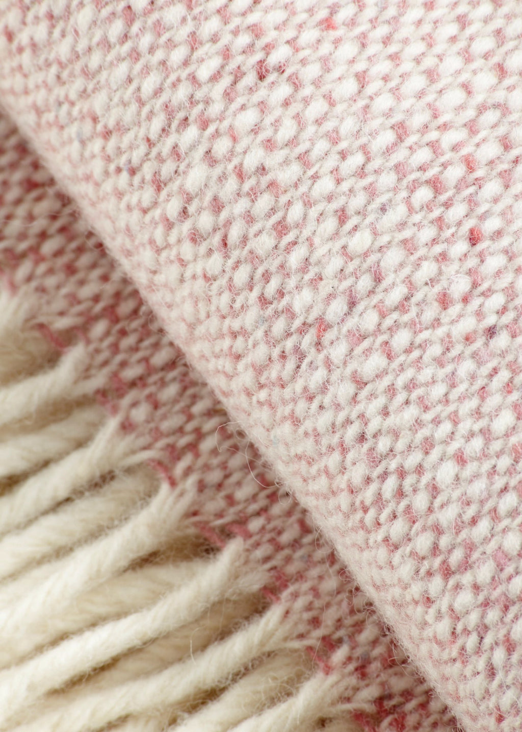 Premium Merino Wool Throw Pink - YUYU Sustainable Home Goods