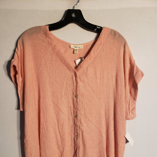 Primary Photo - BRAND:    CLOTHES MENTOR STYLE: TOP SHORT SLEEVE COLOR: PEACH SIZE: XL OTHER INFO: COMO BLU - SKU: 313-31328-26291