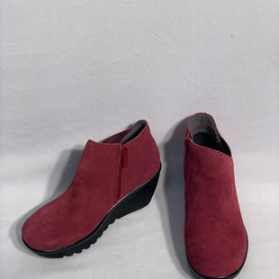 Primary Photo - BRAND: SKECHERSSTYLE: SHOES LOW HEELCOLOR: MAROONSIZE: 6SKU: 313-31332-5588