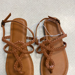 Primary Photo - BRAND: UNIVERSAL THREAD STYLE: SANDALS FLAT COLOR: BROWN SIZE: 5 SKU: 313-31344-22854