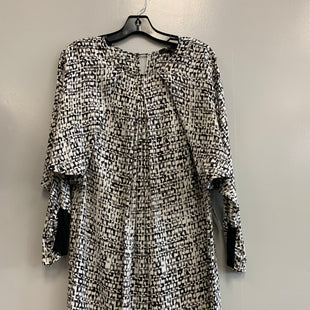 Primary Photo - BRAND: BCBGMAXAZRIA STYLE: DRESS SHORT LONG SLEEVE COLOR: BLACK WHITE SIZE: S SKU: 313-31344-19497
