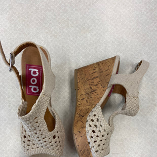 Primary Photo - BRAND:    CLOTHES MENTOR STYLE: SHOES LOW HEEL COLOR: CREAM SIZE: 6 OTHER INFO: POP - SKU: 313-31352-654