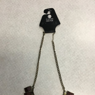 Primary Photo - BRAND:    CLOTHES MENTOR STYLE: NECKLACE COLOR: WOOD SKU: 313-31332-8758