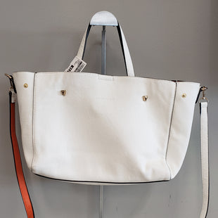 Primary Photo - BRAND:    CLOTHES MENTOR STYLE: HANDBAG COLOR: CREAM SIZE: MEDIUM SKU: 313-31328-33554