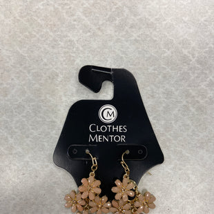 Primary Photo - BRAND:    CLOTHES MENTOR STYLE: EARRINGS COLOR: LIGHT PINK OTHER INFO: CM - SKU: 313-31349-2013