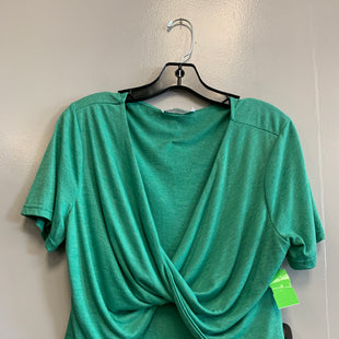 Primary Photo - BRAND:    CLOTHES MENTOR STYLE: TOP SHORT SLEEVE COLOR: GREEN SIZE: 1X OTHER INFO: ROSE GAL - SKU: 313-31349-554