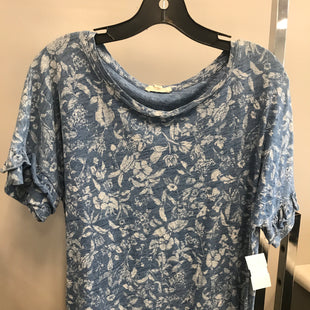 Primary Photo - BRAND:    CLOTHES MENTOR STYLE: TOP SHORT SLEEVE COLOR: BLUE SIZE: L OTHER INFO: JANE AND DRLANCEY - SKU: 313-31344-16062