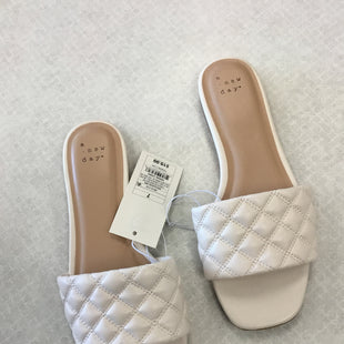 Primary Photo - BRAND: A NEW DAY STYLE: SANDALS FLAT COLOR: OFF WHITE SIZE: 7 SKU: 313-31344-22853