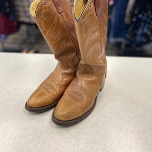 Primary Photo - BRAND:    CLOTHES MENTOR STYLE: BOOTS ANKLE COLOR: BROWN SIZE: 7 OTHER INFO: AVONITE - SKU: 313-31311-28392