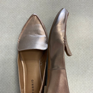 Primary Photo - BRAND: TORRID STYLE: SHOES FLATS COLOR: METALLIC SIZE: 10.5 SKU: 313-31344-18027