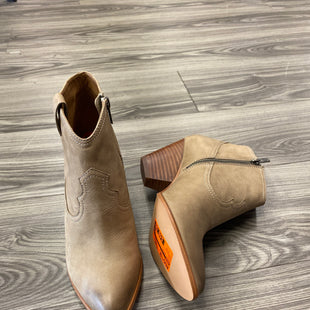 Primary Photo - BRAND: FRYE STYLE: BOOTS ANKLE COLOR: TAN SIZE: 9.5 SKU: 313-31311-32441