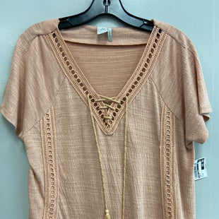 Primary Photo - BRAND: PAPER CRANE STYLE: TOP SHORT SLEEVE COLOR: PEACH SIZE: M SKU: 313-31332-7835