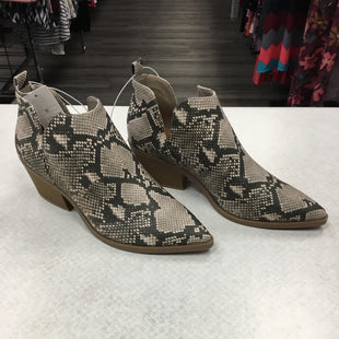 Primary Photo - BRAND: A NEW DAY STYLE: BOOTS ANKLE COLOR: SNAKESKIN PRINT SIZE: 11 SKU: 313-31311-31826