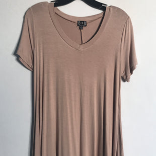 Primary Photo - BRAND:    CLOTHES MENTOR STYLE: TOP SHORT SLEEVE BASIC COLOR: TAN SIZE: S OTHER INFO: B + B - SKU: 313-31344-9947