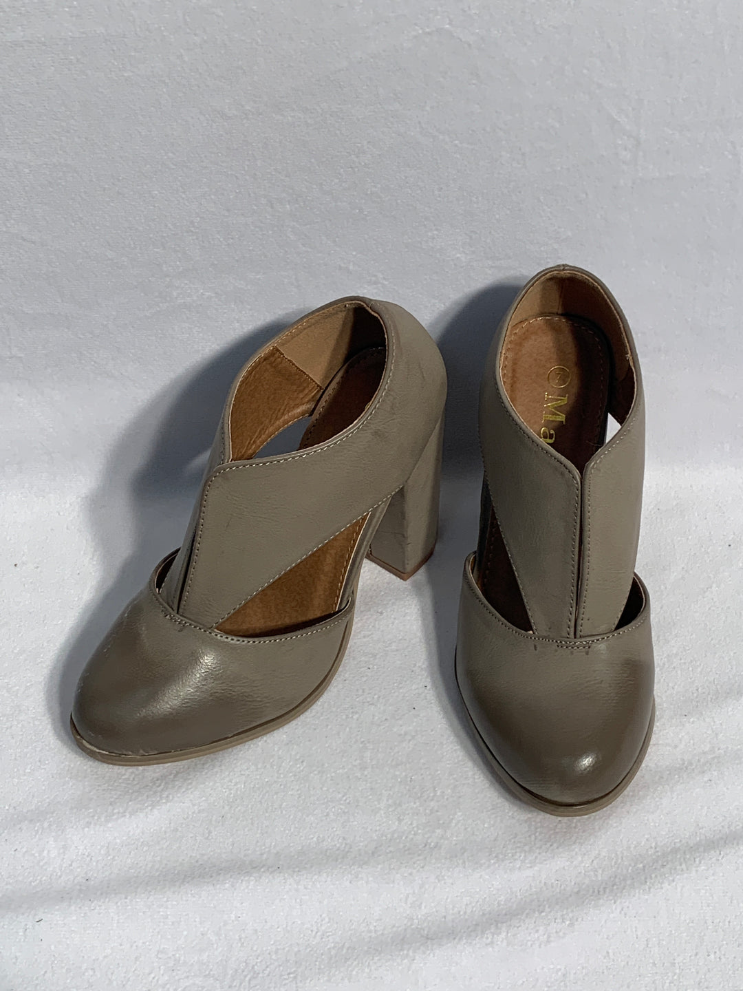 Primary Photo - BRAND: MATA<BR>STYLE: SHOES LOW HEEL<BR>COLOR: BROWN<BR>SIZE: 7<BR>OTHER INFO: MATA -<BR>SKU: 313-31328-26627