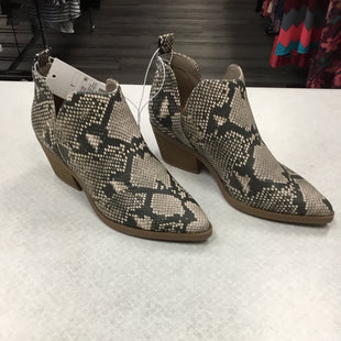 Primary Photo - BRAND: A NEW DAY STYLE: BOOTS ANKLE COLOR: SNAKESKIN PRINT SIZE: 7 SKU: 313-31311-31825