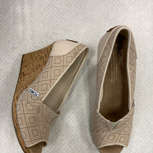 Primary Photo - BRAND: TOMS STYLE: SHOES LOW HEEL COLOR: TAN SIZE: 6.5 SKU: 313-31311-31238